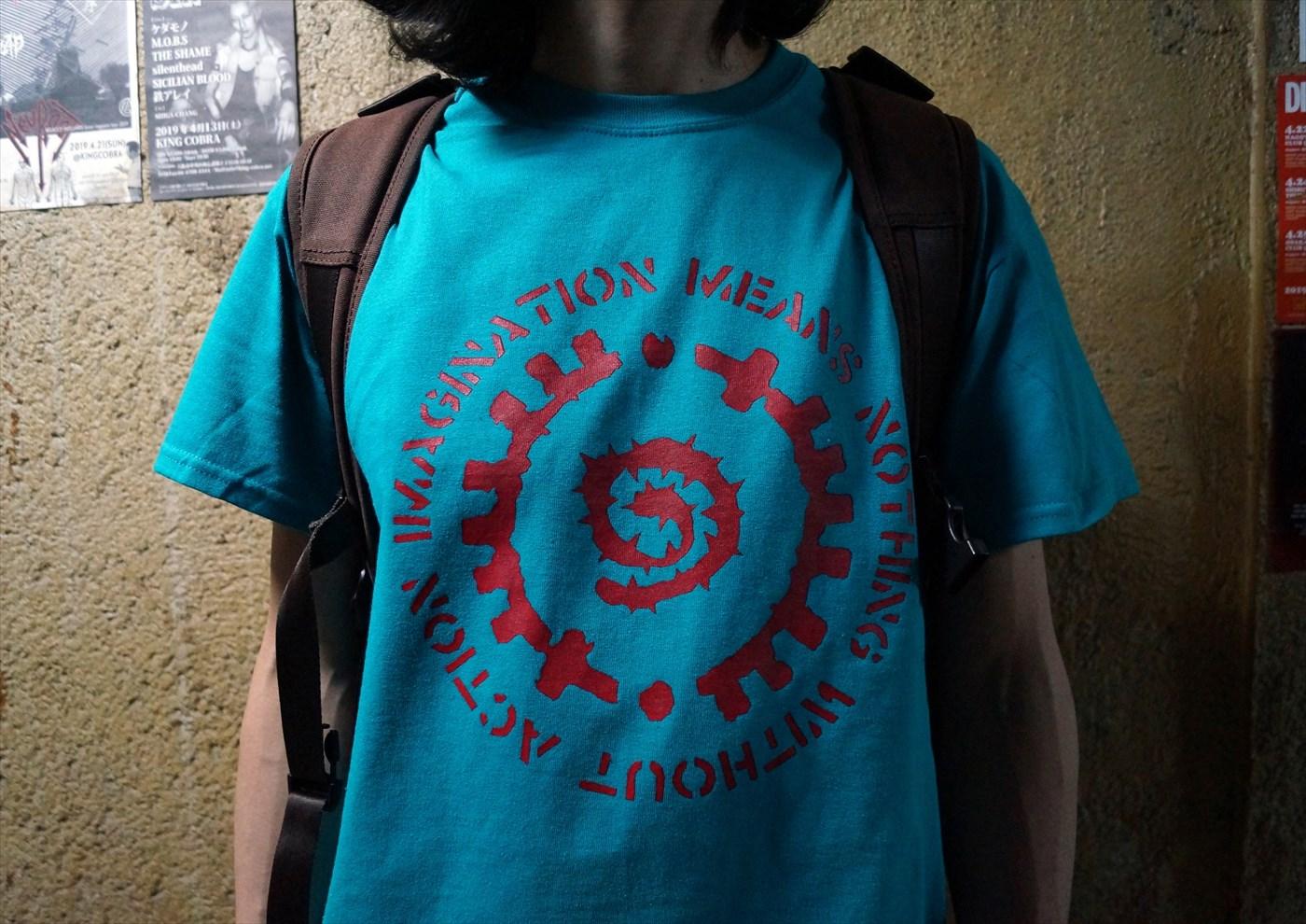 GLYPH TEE(グリフ Tシャツ) [ACT x INSIDE BOUND] モデルカット