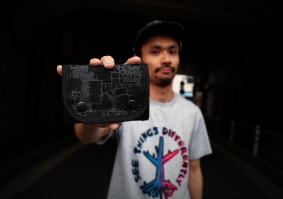 TRASH BREEDS TRASH x ACT -TRASHBREEDSTRASH x ACT コラボ ツギハギプリントWALLET(小)-